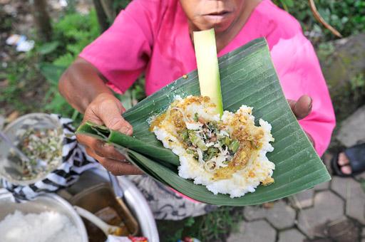 Nasi Tepeng Khas Gianyar 1 » Nasi Tepeng Khas Gianyar, Kuliner Pagi Hari yang Murah Meriah di Bali
