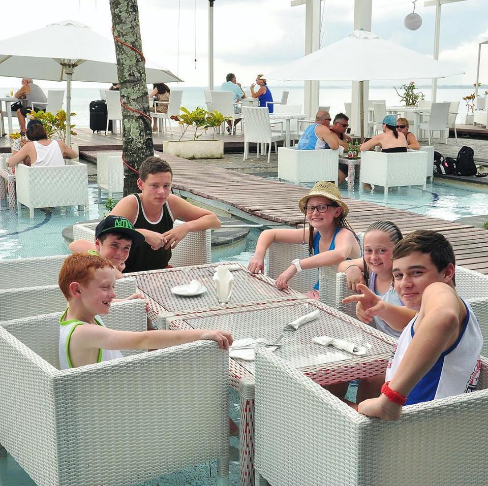 Oceans 27 Beach Club Kuta 3 » Oceans 27 Beach Club Kuta, Tempat Asyik Menikmati Pemandangan Matahari Terbenam di Bali