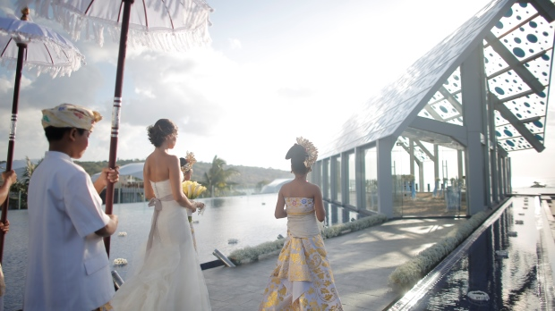 Paket Wedding Le Meridien Jimbaran, Nuansa Pesta Pernikahan Rooftop yang Romantis