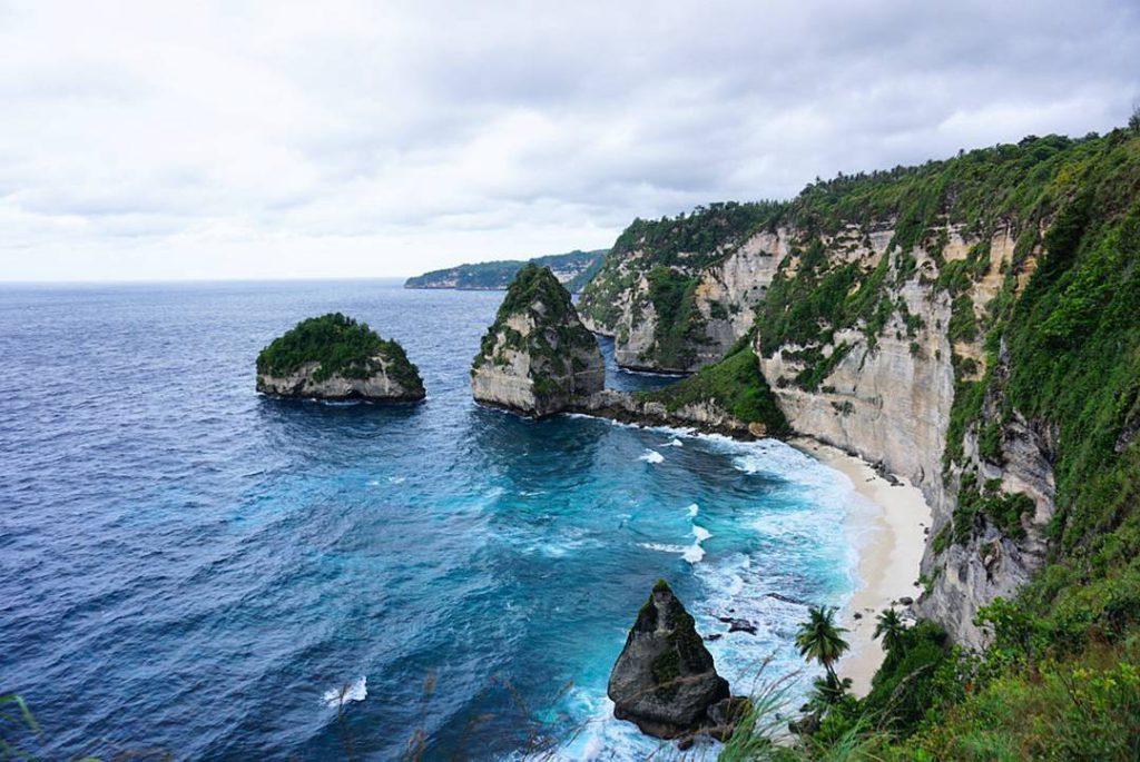 Pantai Atuh Nusa Penida 2 1024x685 » Pantai Atuh Nusa Penida, Keindahannya Tidak Kalah dengan Raja Ampat