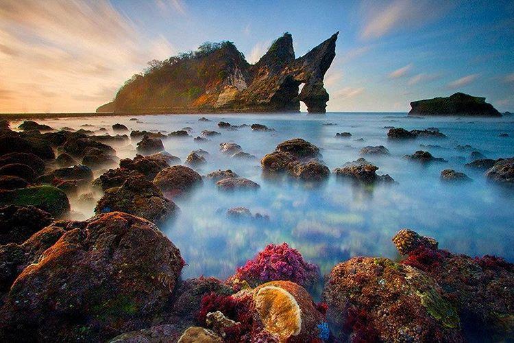 Pantai Atuh Nusa Penida 3 » Pantai Atuh Nusa Penida, Keindahannya Tidak Kalah dengan Raja Ampat