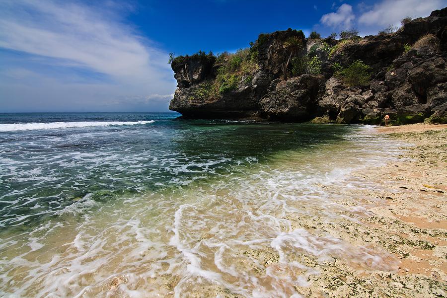 Pantai Balangan Uluwatu Bali 1 » Pantai Balangan Uluwatu Bali, Pantai Indah yang Wajib Dikunjungi di Pulau Dewata