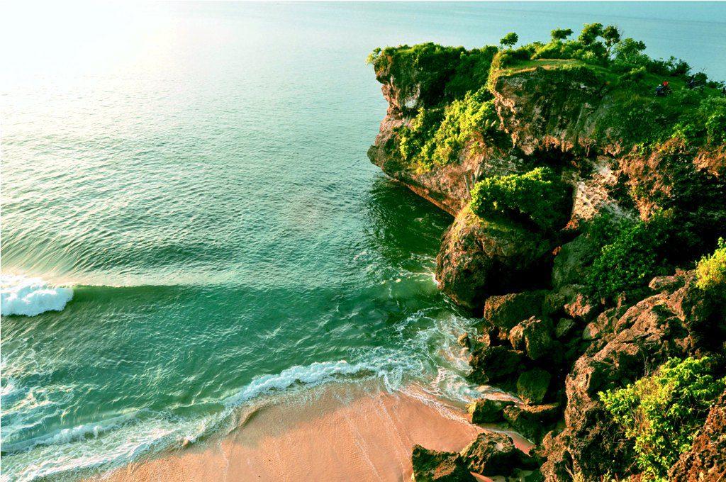 Pantai Balangan Uluwatu Bali 3 1024x680 » Pantai Balangan Uluwatu Bali, Pantai Indah yang Wajib Dikunjungi di Pulau Dewata