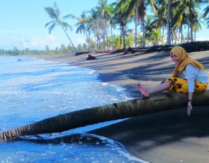 Pantai Baluk Rening Jembrana