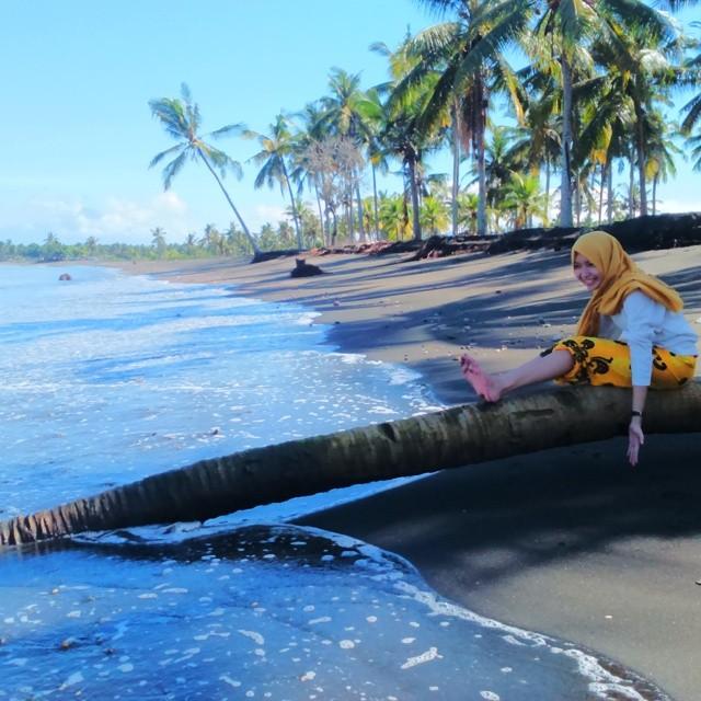 Pantai Baluk Rening Jembrana, Pantai Indah yang Juga Berkhasiat untuk Kesehatan