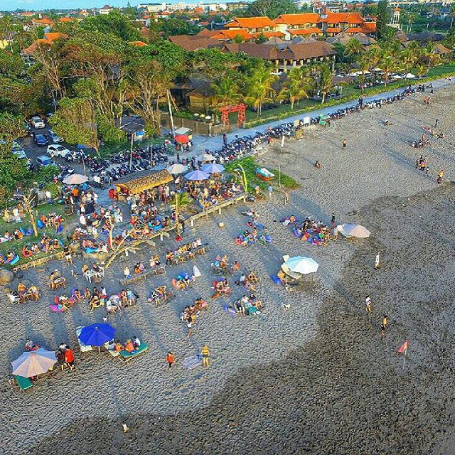 Pantai Batu Belig Bali, Pantai Paling Asyik Menyaksikan Pemandangan Sunset