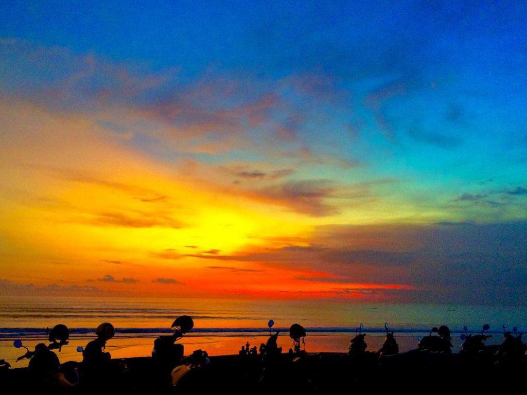 Pantai Batu Belig Bali 4 1024x768 » Pantai Batu Belig Bali, Pantai Paling Asyik Menyaksikan Pemandangan Sunset