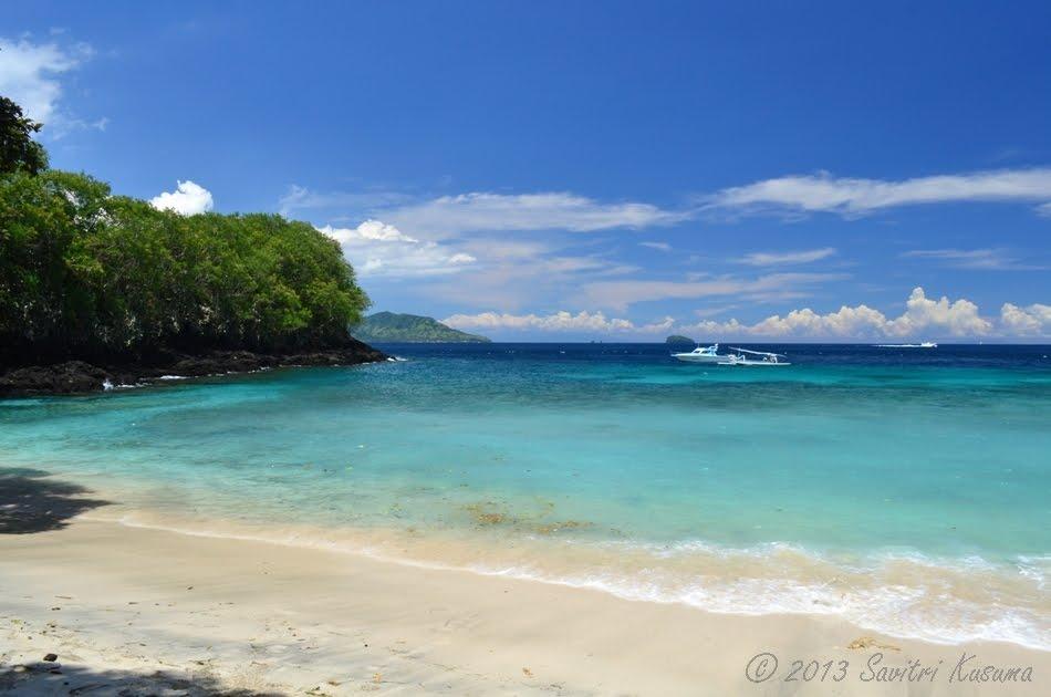 Pantai Blue Lagoon, Bisa Betah Snorkeling Seharian di Pantai Padang Bai Ini