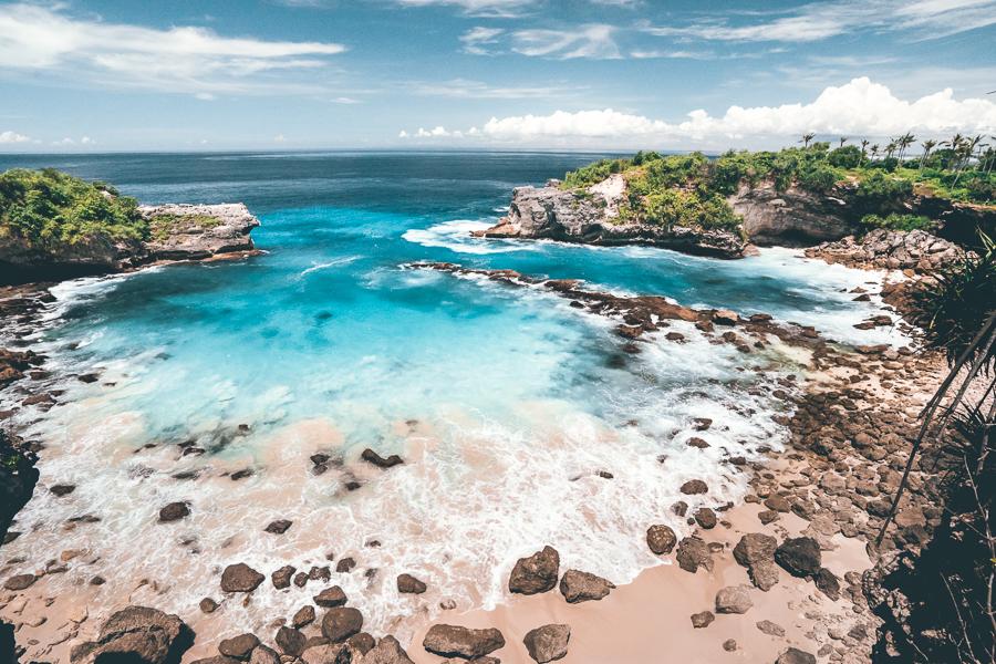 Pantai Blue Lagoon Nusa Ceningan 1 » Pantai Blue Lagoon Nusa Ceningan, Liburan Penuh Tantangan Loncat dari Atas Tebing