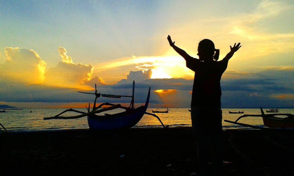 Pantai Candi Kusuma 1 1024x614 » Pantai Candi Kusuma, Pantai dengan Suasana Matahari Terbenam yang Memesona