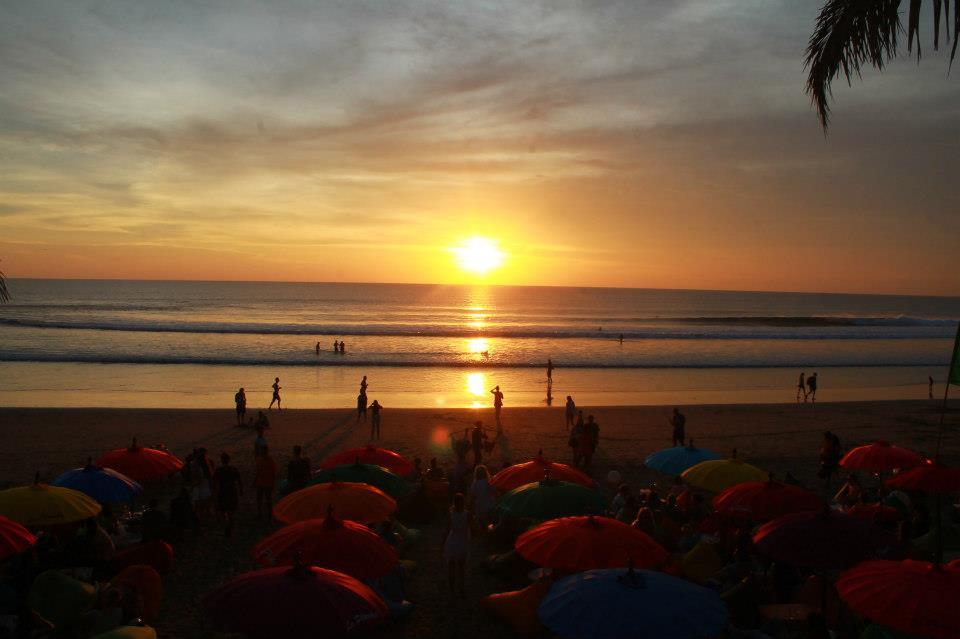 Pantai Double Six Bali, Pantai Cantik yang Keindahannya Tak Kalah dengan Kuta