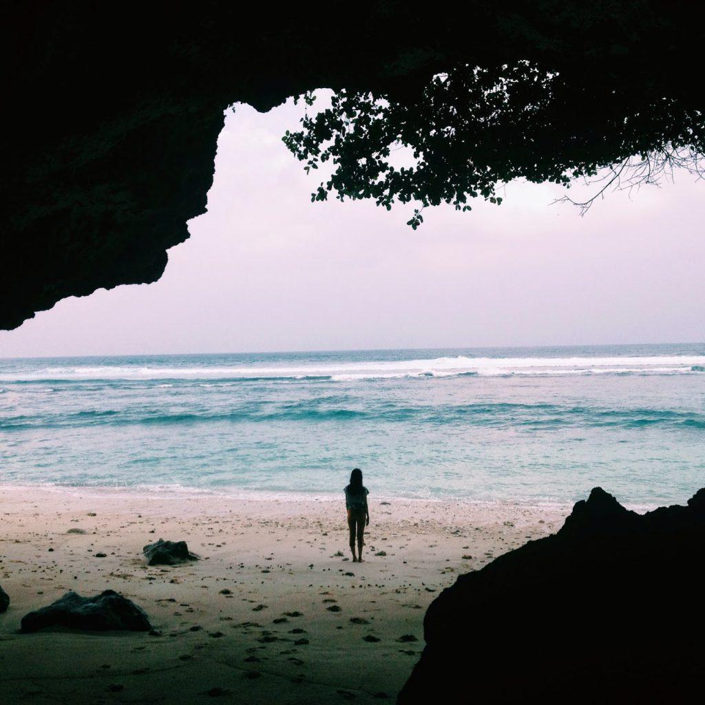 Pantai Green Bowl Bali 3 1024x1024 » 5 Pantai Indah di Bali yang Memiliki Gua Eksotis