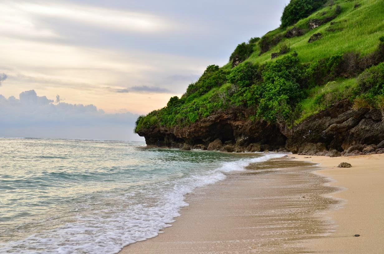 Pantai Gunung Payung, Pantai Tersembunyi di Bali yang Elok dan Indah
