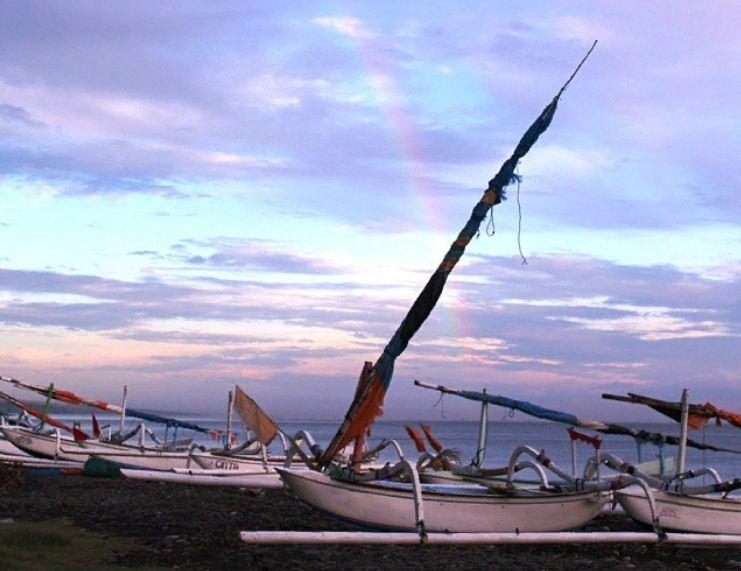 Pantai Jemeluk Karangasem 3 » Menikmati Keindahan Pantai Jemeluk Karangasem yang   Tak Kalah dengan Amed