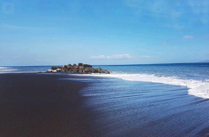 Pemandangan Pantai Karangdadi Kusamba