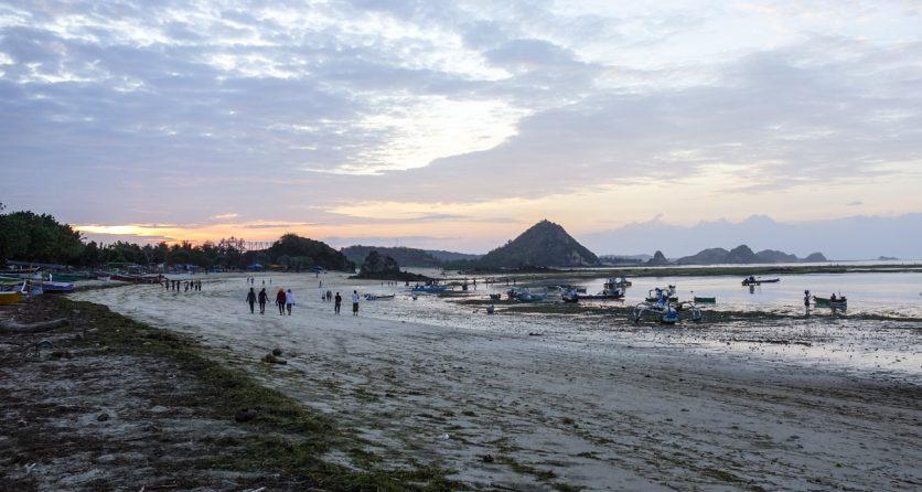 Pantai Kuta Lombok 1 » Pantai Kuta Tak Hanya Ada di Bali, Lombok Juga Punya Lho!