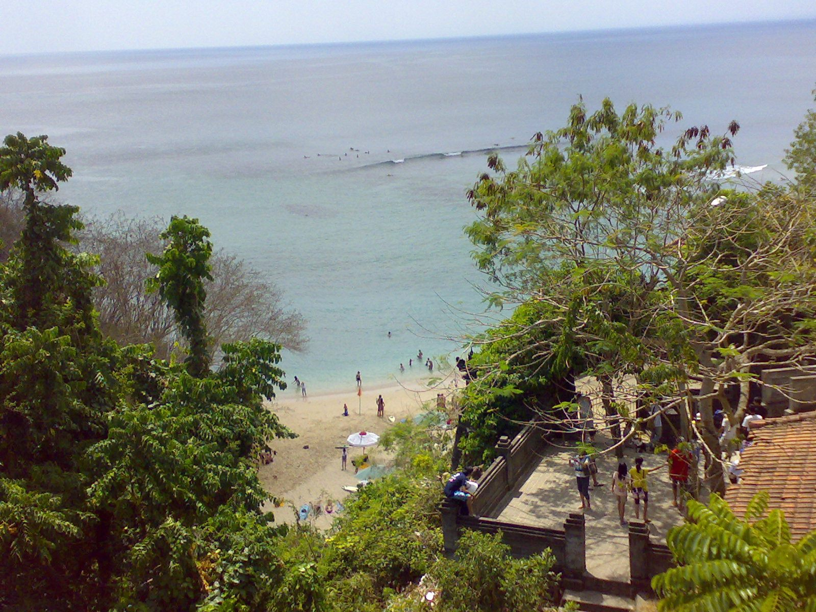 Pantai Labuan Sait Pecatu, Pantai dengan Ombak Tenang yang Asyik untuk Berenang