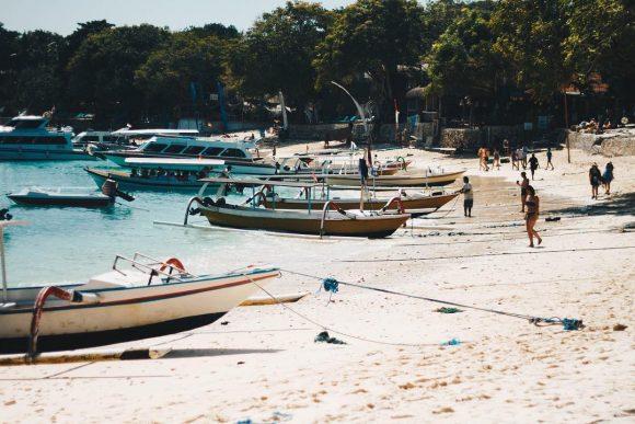 Pantai Mushroom Lembongan 3 » Pantai Mushroom Lembongan, Destinasi Wisata yang Memukau untuk Para Backpacker
