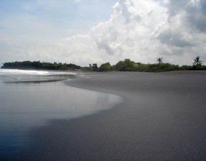 Pantai Nyanyi Canggu