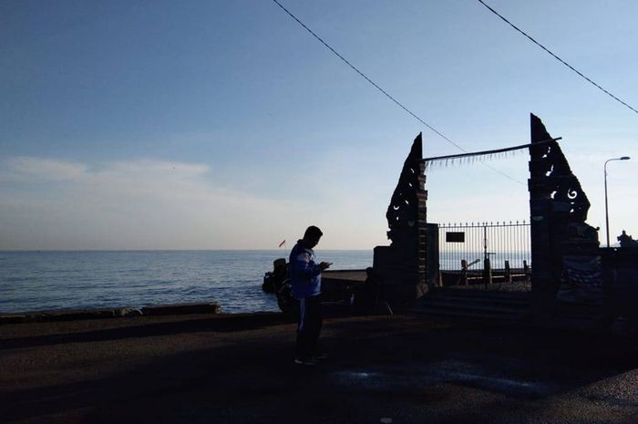 Pantai Penimbangan Buleleng, Wisata Pantai Sembari Menikmati Sawah yang Asri