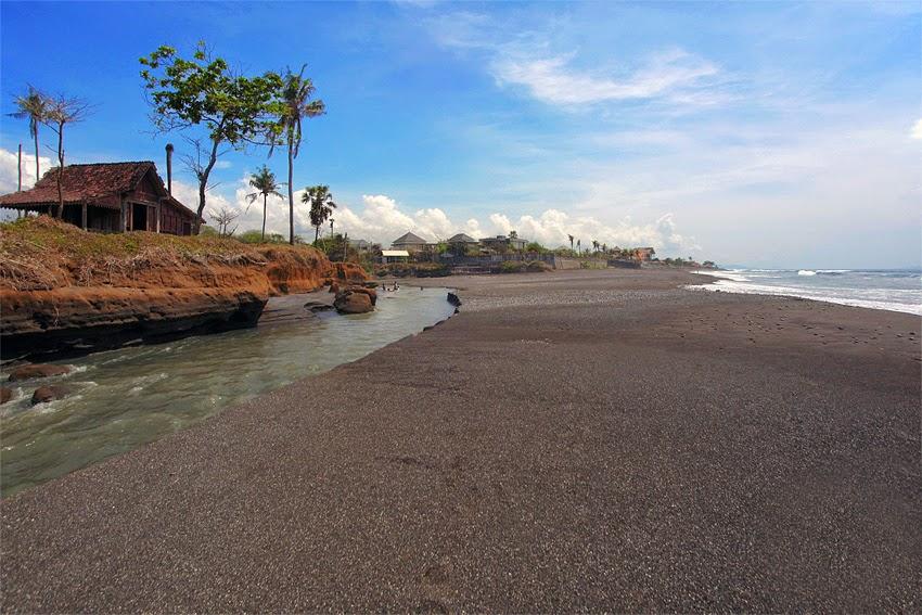 Pantai Secret Ketewel Gianyar, Pantai Tersembunyi yang Menjadi Surga Para Peselancar