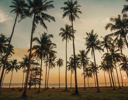 Pantai Sepi Pengunjung di Bali