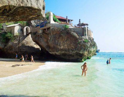 Pantai Suluban Bali 2 415x325 » Pantai Suluban Bali, Destinasi Wisata Unik nan Eksotis