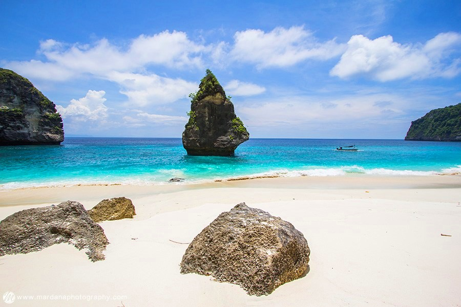 Pantai Suwehan Nusa Penida, Surga Tersembunyi dengan Pemandangan yang Memukau