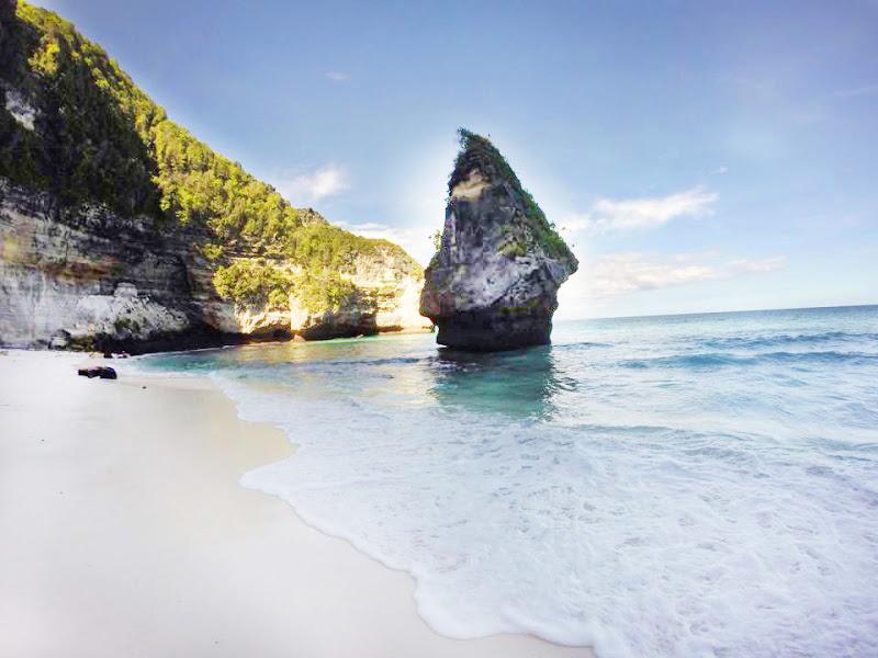 Pantai Suwehan Nusa Penida 2 » Pantai Suwehan Nusa Penida, Surga Tersembunyi dengan Pemandangan yang Memukau