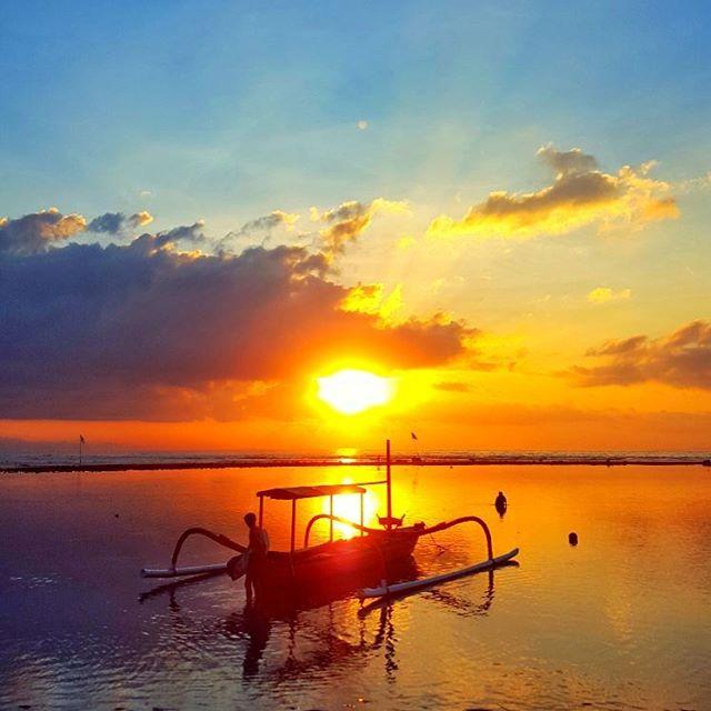 Pantai Segara Ayu Denpasar, Pantai dengan Pemandangan Sunrise Memukau