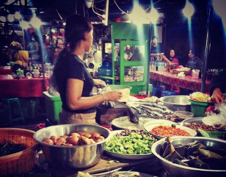 Pasar Kreneng Denpasar 3 » Wisata Kuliner Pasar Kreneng Denpasar di Malam Hari, Lengkap Lho!