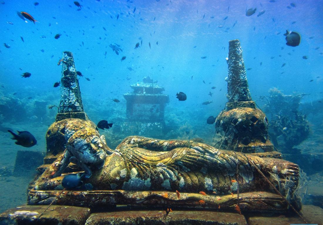 Patung Budha Unik di Bali