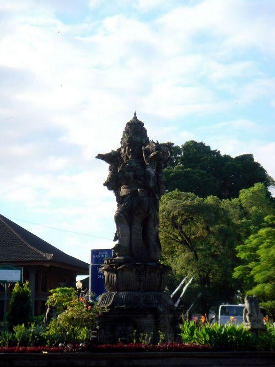 Patung Catur Muka Bali 1 » Patung Catur Muka Bali, Patung Empat Wajah yang Menjadi Landmark Denpasar