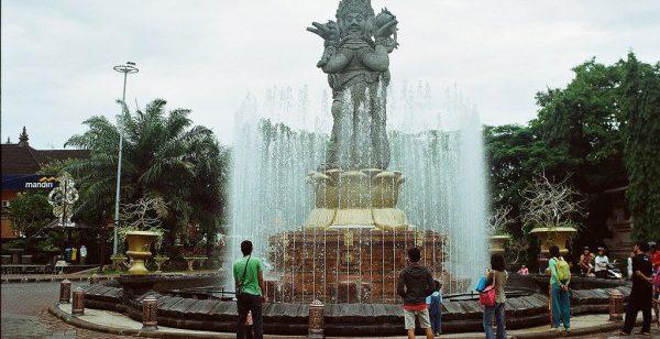 Patung Catur Muka Bali