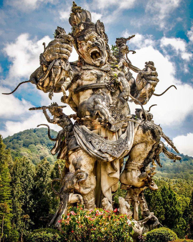 Patung Kumbakarna Laga 1 818x1024 » Menyaksikan Gagahnya Patung Kumbakarna Laga di Kebun Raya Bali