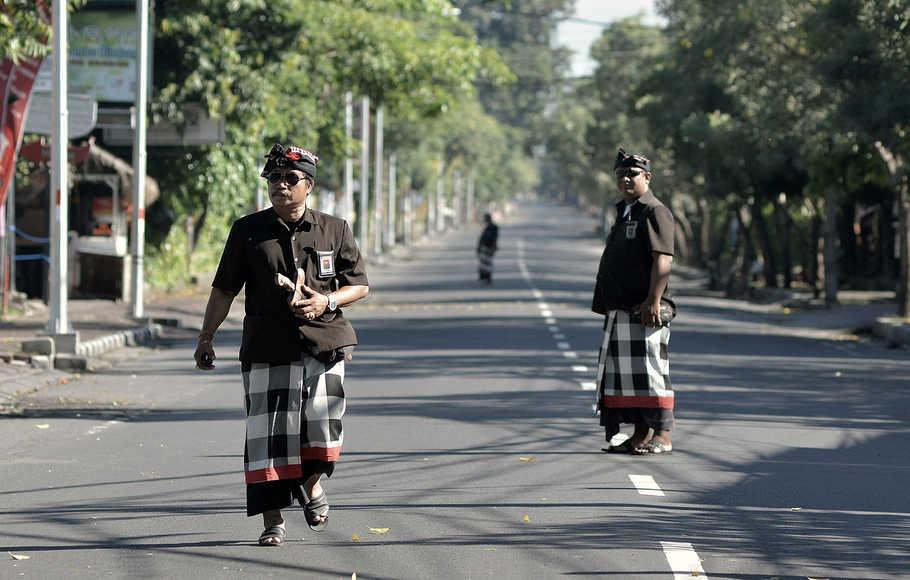 Pecalang di Bali 1 » Mengenal Sosok Pecalang di Bali, Petugas Keamanan Adat yang Bekerja tanpa Gaji