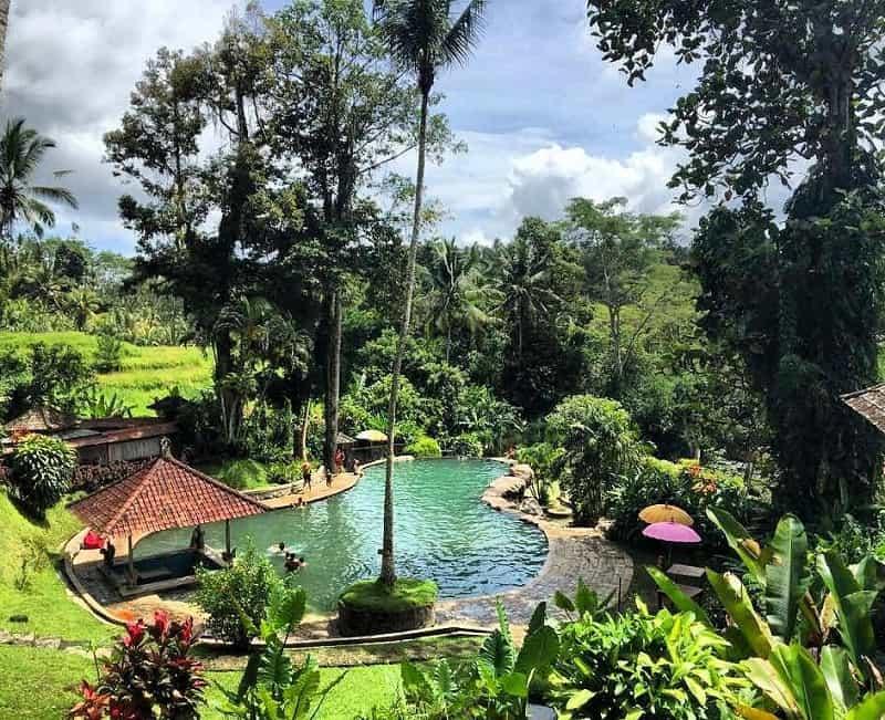 Pemandian Air Panas Penatahan, Pilihan Berendam di Air Hangat Bernuansa Alami di Bali