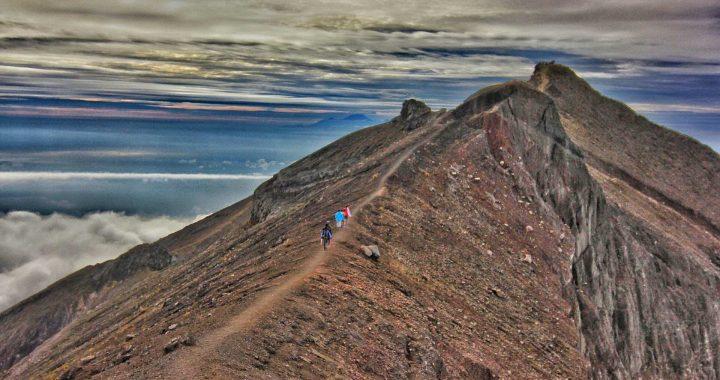 Pendakian Gunung Agung 1 » Pendakian Gunung Agung, Pilihan Aktivitas Penuh Petualangan di Tempat Suci Puncak Para Dewa