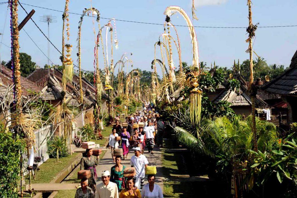 Perayaan Hari Raya Galungan 3 1024x681 » Perayaan Hari Raya Galungan, Mengulik Sisi Religius Warga Hindu Bali