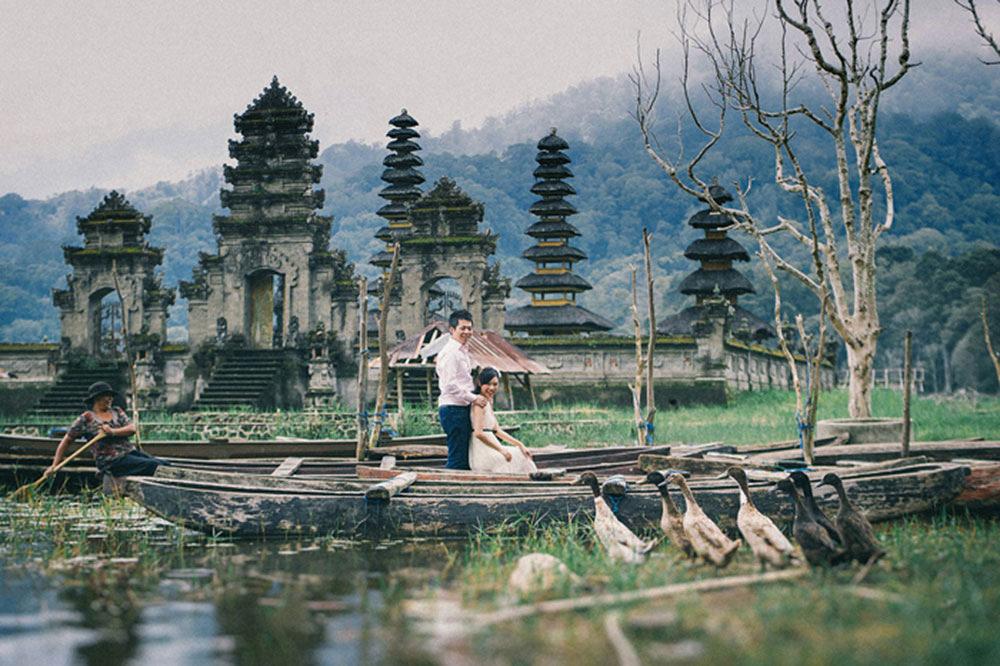 Prewedding di Danau Tamblingan Bedugul 3 » Romantisnya Sesi Foto Prewedding di Danau Tamblingan Bedugul