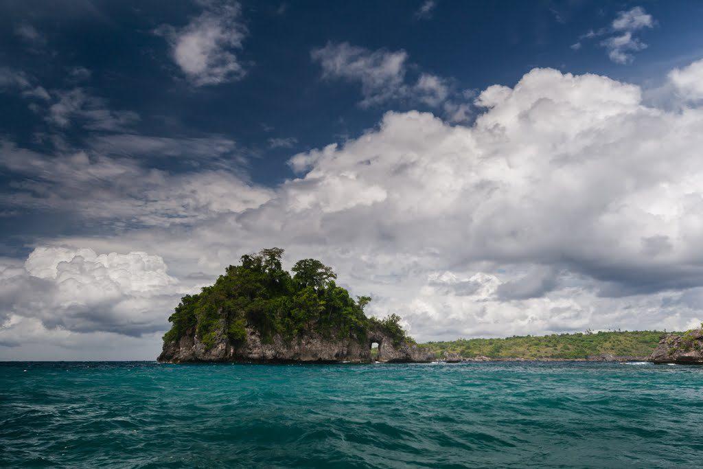 Pulau kecil yang ada di Crystal Bay Nusa Penida 1024x683 » Crystal Bay Nusa Penida, Pantai dengan Air Laut Super Bening