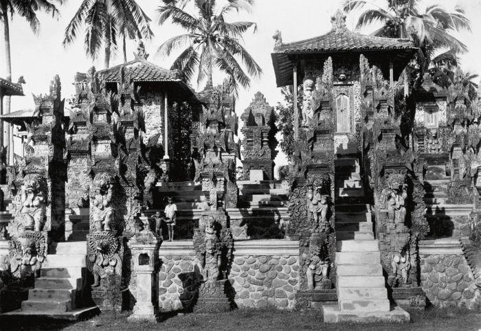 Pura Dalem Jagaraga Singaraja 1 » Pura Dalem Jagaraga Singaraja, Pura Unik dengan Relief Kehidupan Rakyat Bali di Zaman Kolonial