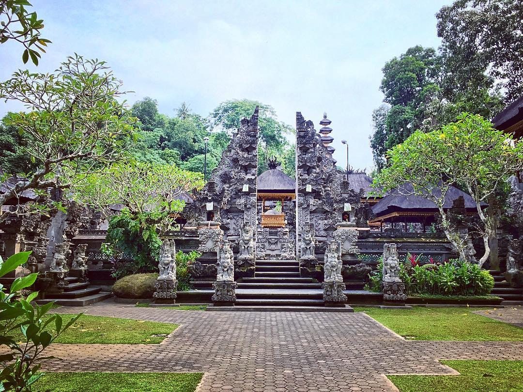 Pura Gunung Lebah, Wisata Religi di Tengah Keindahan Alam Ubud
