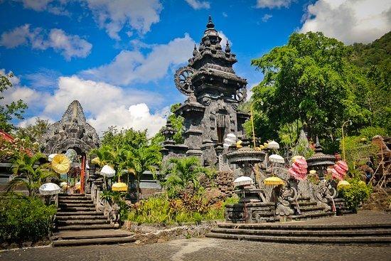 Pura Melanting, Tempat Peribadatan Untuk Memuja Dewi Uang