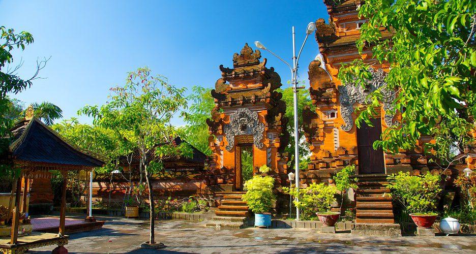 Pura Petitenget Pantai Seminyak Bali