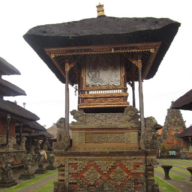 Pura Puseh Batuan Gianyar, Wisata Religi di Pura Tertua Bali
