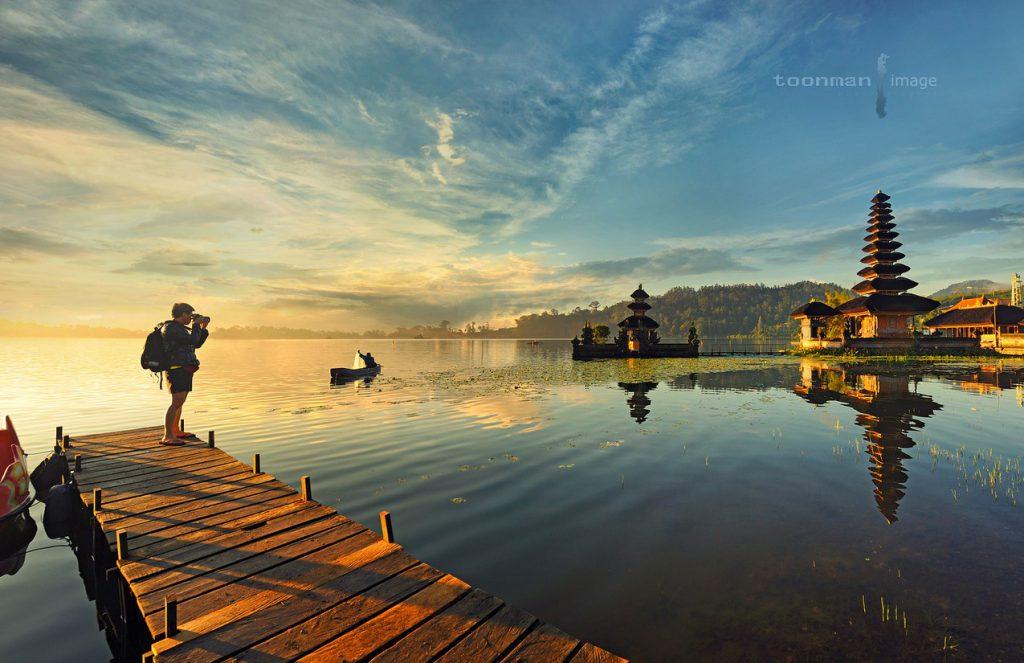 Pura Ulun Danu Bratan spot foto favorit para fotografer 1024x663 » Pura Ulun Danu Bratan, Perpaduan Wisata Religi dengan Pemandangan Indah Mengagumkan