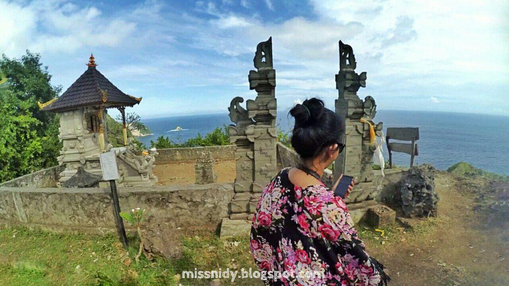 Pura di Kelingking Secret Point Nusa Penida 1024x576 » Indahnya Pantai Kelingking Secret Point Nusa Penida