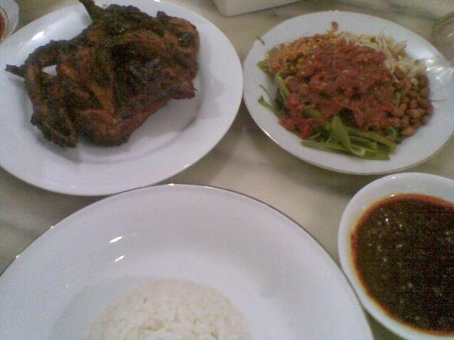 RM Ayam Taliwang Bersaudara 2 » RM Ayam Taliwang Bersaudara, Kesempatan Mencicipi Kuliner Khas Lombok yang Halal di Bali