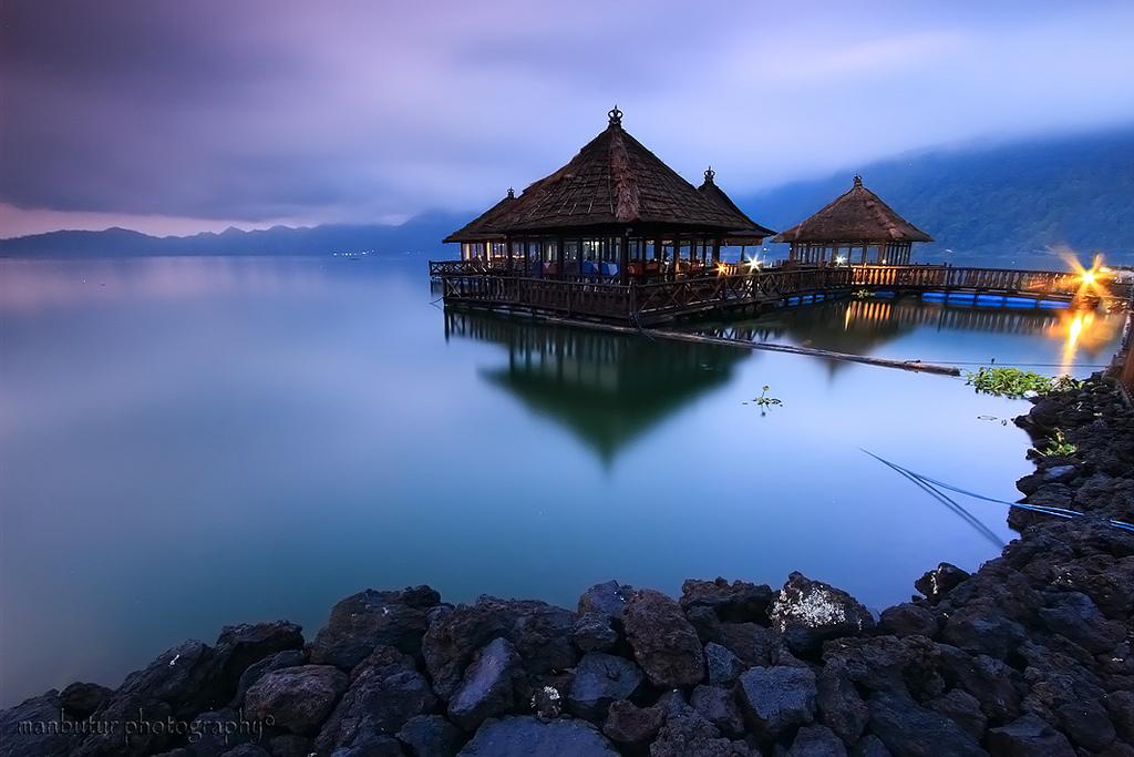 Resto Apung Kedisan Kintamani, Restoran Unik yang Mengapung di Atas Danau Batur